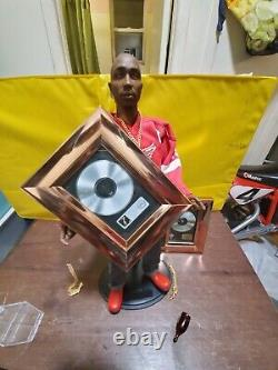 1/6 scale Custom 2pac Shakur 2platinum plaques 3chains a watch New +extras