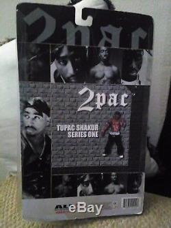 2001 all entertainment series one recalled tupac figure (VERY RARE)