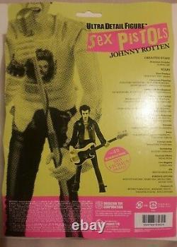 2x Sex Pistols, Medicom Figures, Johnny Rotten & Sid Vicious Nib