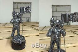 Astronaut KAWS MTV 11 Life Size MoonMan Video Music Award Trophy Gold black