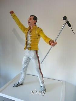 Freddie Mercury Queen 18 Neca Figure