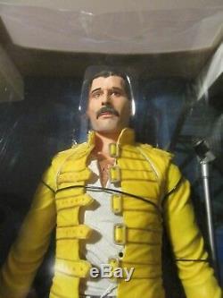 Freddie Mercury / Queen 18'' Neca Figure Magic Tour Never Removed Ultra Rare