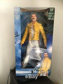 Freddie Mercury / Queen 18'' Neca Figure Magic Tour. Ultra Rare