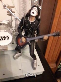 Kiss live in concert Figures, stage set up & lighting rig