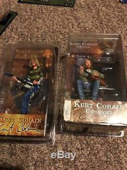 Kurt Cobain 7 inch Action Figure with Skyblue Guitar & Nirvana Unplugged version
