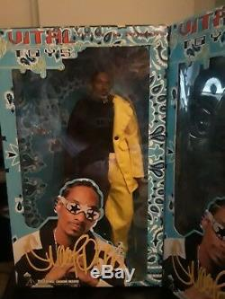 Lot of 2 Rare Snoop Dogg Limited Edition Action Figure Dolls 1 signed, 1 not