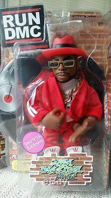 Mezco Run DMC Vinyl Figures Toys-R-Us Exclusive in Red Suits RIP Jam Master Jay