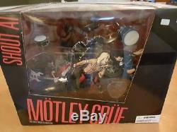 Motley Crue Shout At The Devil Deluxe Box Set Of Action Figures MISB SEALED