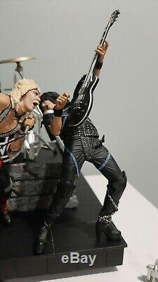 Motley Crue Shout At The Devil Deluxe Boxed Set McFarlane Loose / Complete