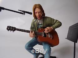 NECA Nirvana Kurt Cobain MTV Unplugged Complete action figure. Grunge, Music