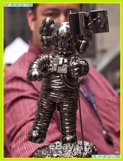 NEW KAWS MTV Model Kaws Electric Music Festival Black Trophy 28CM 2019