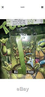 Teenage Mutant Ninja Turtles Musical Mutagen Tour Bundle Figure 4 Pk Tshirt L