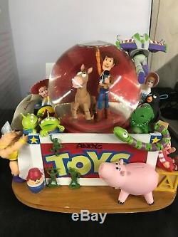 Toy Story Disney Store Musical Snowglobe ANDY'S TOYBOX With Box SEE PICTURES