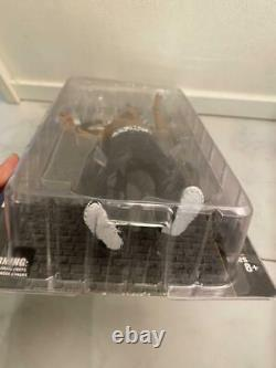 Tupac 2Pac Amaru Shakur All Entertainment One MC 2001 8 Action Figure FedEx